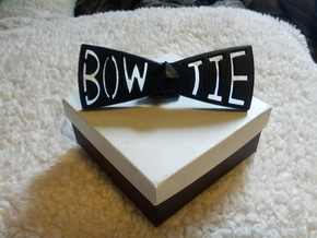 Spinning bow tie in White Strong & Flexible