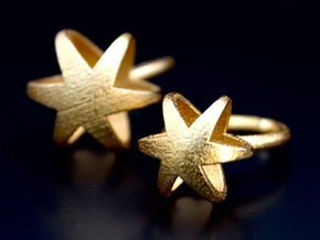 3D MINI STAR GLITZ SPARKLE RING - size 6 in Polished Gold Steel