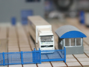N Scale Modern Fence Set in Frosted Ultra Detail