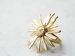 Daisy Ring- Size 6 in Polished Brass