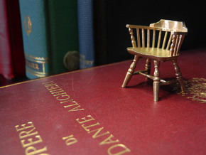 1:24 Low Back Windsor Chair in White Strong & Flexible