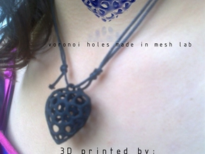 Voronoi Heart Piece Neckles in White Strong & Flexible