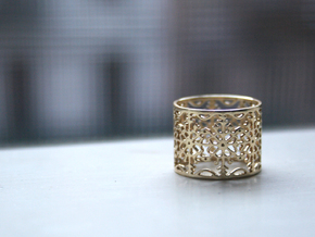 Snow Flake Filigree Ring in Polished Brass