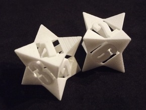 Octetric d6 dice pair in White Strong & Flexible
