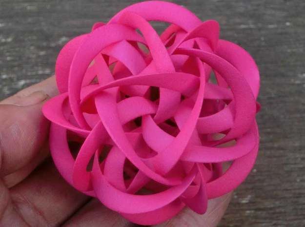 Cosmic Rose 3d printed Dimension: 60*60*60mm