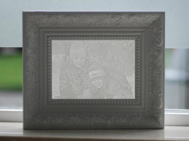 Robin&Sebas groot 3d printed By adding a frame your get better contrast AKA better result