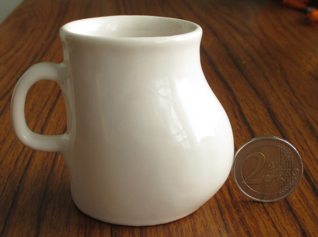The Small Big Mug 3d printed The size of the 2 euro coin slightly bigger than the American quarter.