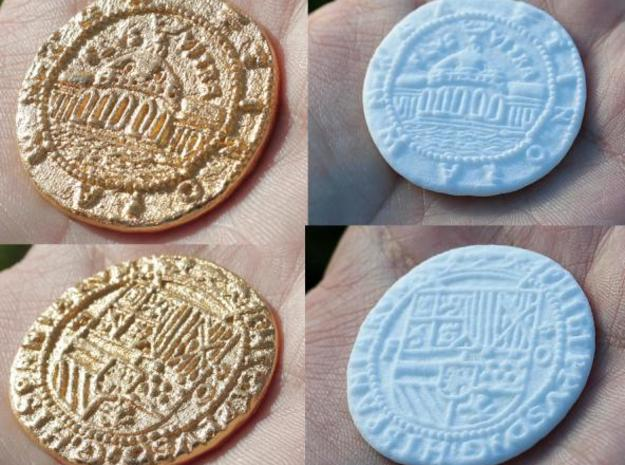 Uncharted: Spanish Gold Coin 3d printed Gold Plated Glossy(left) and White Strong & Flexible(right)