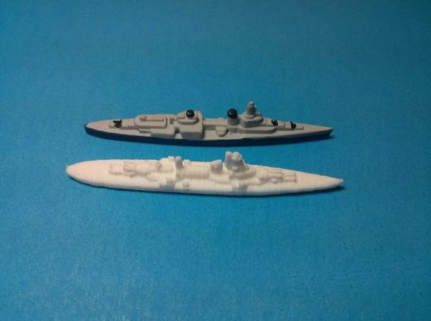 Hipper class CA x3 1/4000 3d printed Size comparison with US Cruiser from Axis & Allies game