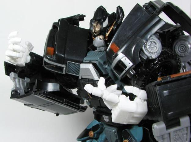 DOTM Leader Ironhide poseable hands