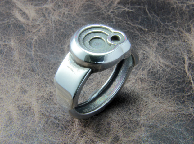 Circle Ring 3d printed This material is Polished Silver , Patinated with bleach