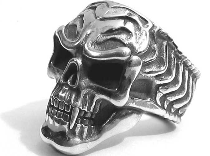 skull ring - Silver Glossy with Aftermarket patina
