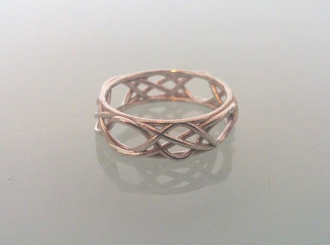 Ring printed in silver.