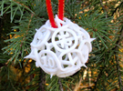 Thorn Die12 Ornament in White Strong & Flexible