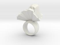 loewenring_skaliert in White Strong & Flexible