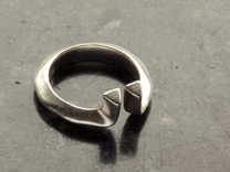 Diverto Ring in Raw Silver