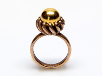 Magnetic Pearl Ring Size 6 in Matte Gold Steel