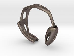 S3r026s7 GenusReticulum in Polished Bronzed Silver Steel