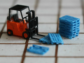 N Scale Pallets V2 52pc in Smooth Fine Detail Plastic