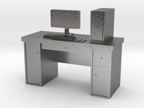 HO scale PC with desk in Raw Silver