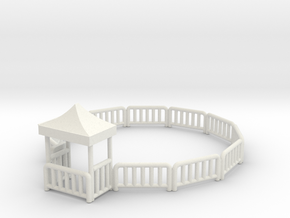 Bulgyfence with new top in White Natural Versatile Plastic