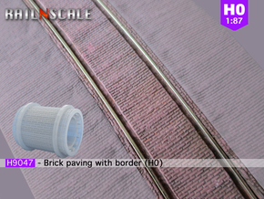 Brick paving with border (H0) in Smooth Fine Detail Plastic