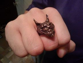 Alice: Madness Returns Cheshire Cat Ring in Natural Bronze