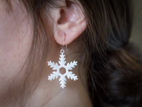 Evergreen Snowflake Earrings in White Processed Versatile Plastic