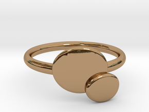 Double O ring size Medium in Polished Brass