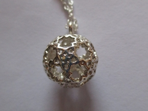 Sphere-132-small in Fine Detail Polished Silver