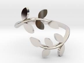 Vine Ring in Platinum: 4 / 46.5