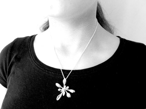 Large Arabidopsis Rosette pendant in Polished Silver