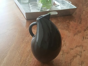 Vase in Gloss Oribe Green Porcelain
