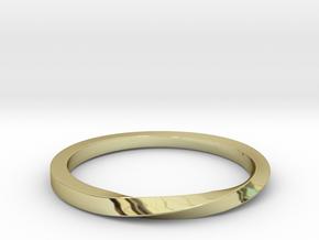 Half Twist Band size 6 in 18k Gold