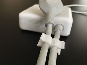 Macbook Cable Clip Lifehack in White Strong & Flexible Polished
