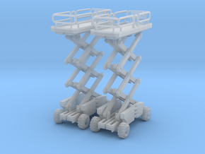 Two Scissor Lift Z Scale in Frosted Ultra Detail
