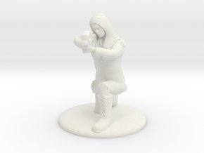 Soldier Crouched Aiming P90 - 20 mm in White Natural Versatile Plastic