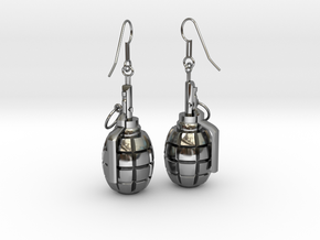 F1 Earrings in Fine Detail Polished Silver
