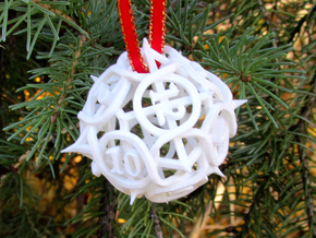 Thorn d12 Ornament in White Natural Versatile Plastic