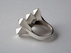 Bugnato Ring in Polished Silver: 8.5 / 58