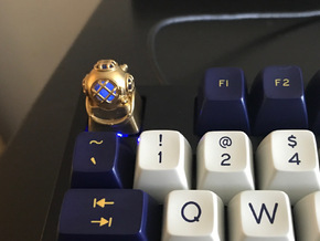 Diver Helmet (For Cherry MX Keycap) in Natural Brass