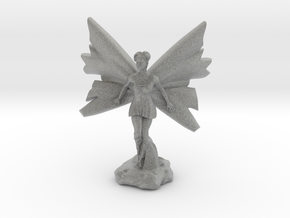 Fairy with large wings, in flight 30mm scale in Metallic Plastic