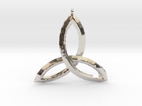 Celtic Knot Medallion in Platinum