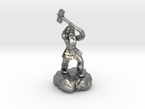 Dwarf Fighter With Warhammer in Natural Silver