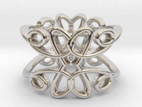 Queen of Hearts Ring in Rhodium Plated Brass
