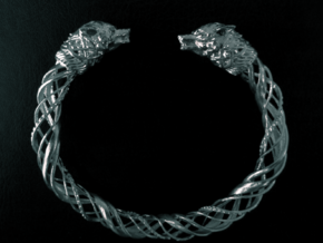Viking wolf head bracelet size M in Natural Silver