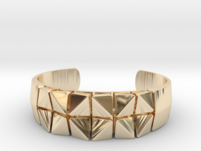 Box Flower Bracelet in 14K Yellow Gold: Small