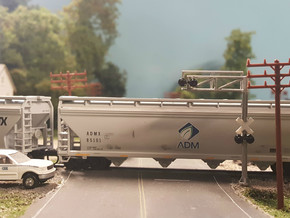 N Scale Crossing Gantry 1 Lane 4pc in Smooth Fine Detail Plastic