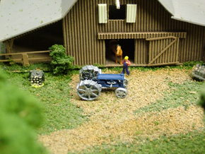 Tractor Fordson in Smooth Fine Detail Plastic