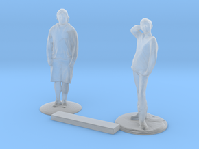 O Scale People Standing in Smooth Fine Detail Plastic